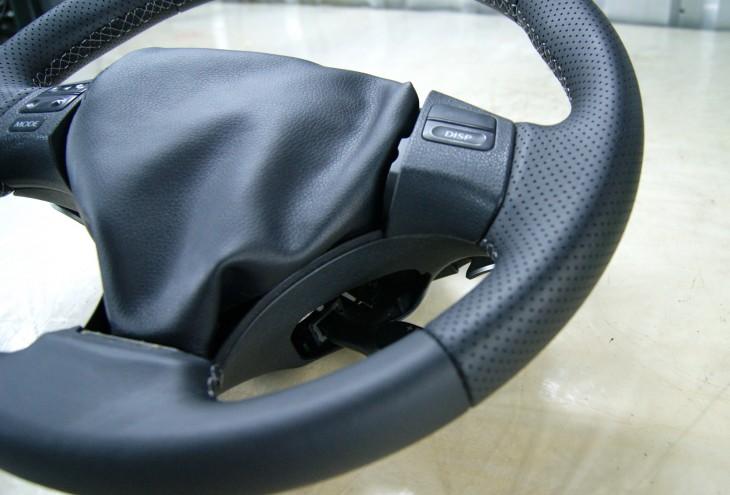Руль Lexus IS из черной натуральной кожи наппа №4