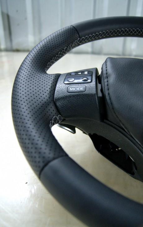 Руль Lexus IS из черной натуральной кожи наппа №5
