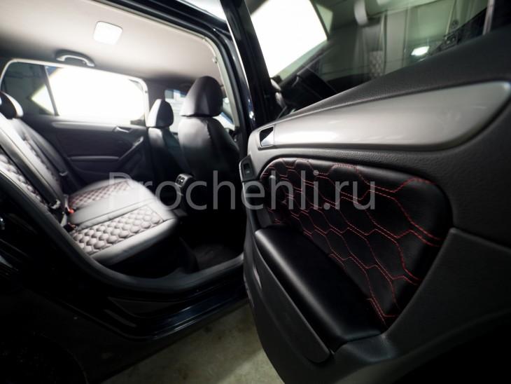 Чехлы на  VW Golf 6 с эффектом перетяжки салона из черной экокожи с отстрочкой сотами №3