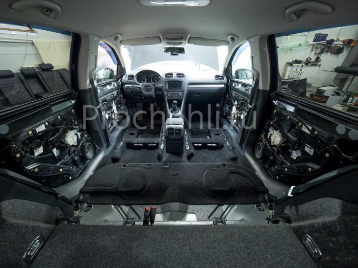 Чехлы на  VW Golf 6 с эффектом перетяжки салона из черной экокожи с отстройкой сотами №4