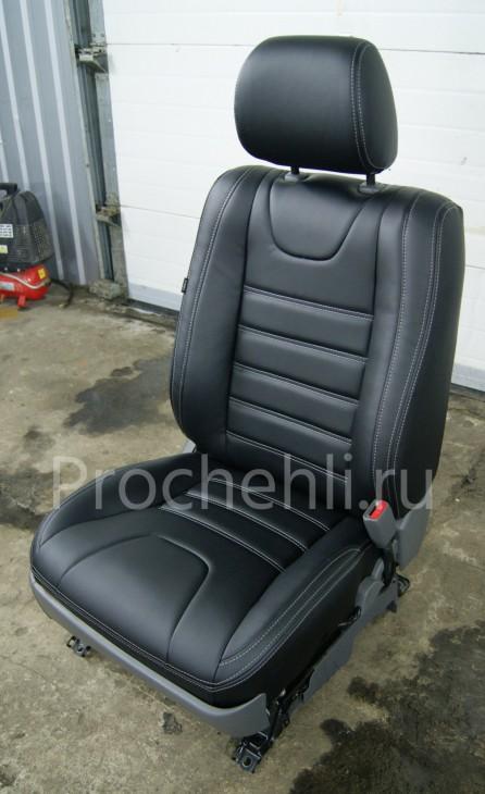 Чехлы на Toyota LC Prado 120 с эффектом перетяжки салона из черной экокожи №8