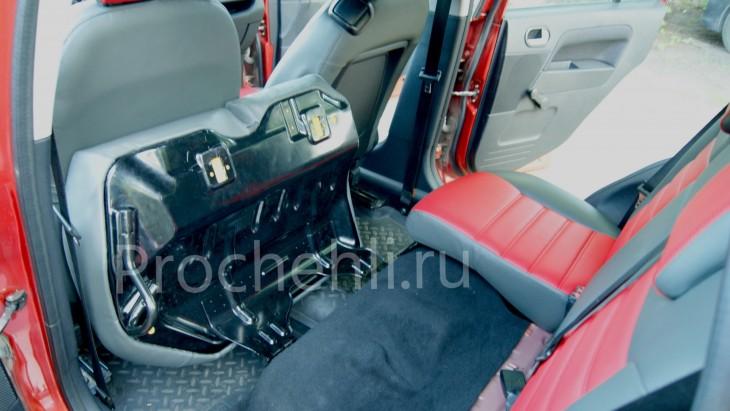 Чехлы на Ford Fusion с эффектом перетяжки салона из черной и красной экокожи №5