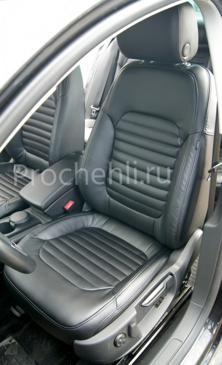 Чехлы нa VW Passat B7 с эффектом перетяжки сидений из черной экокожи №3