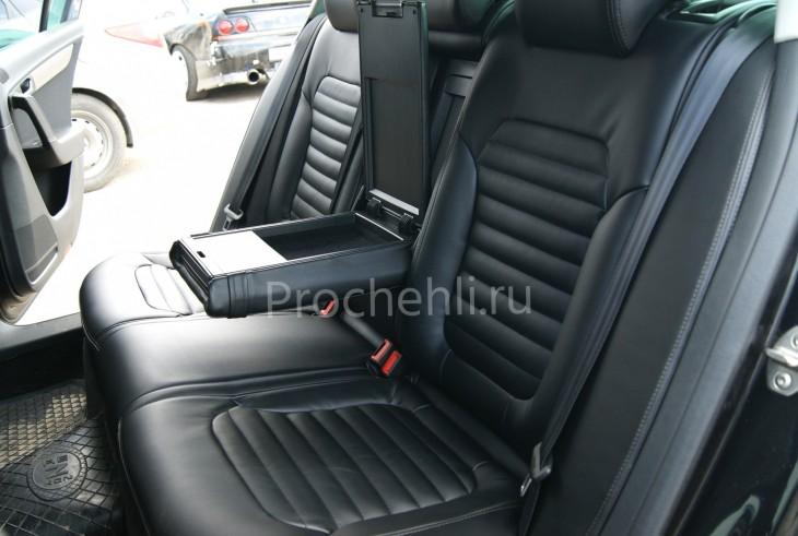 Чехлы нa VW Passat B7 с эффектом перетяжки сидений из черной экокожи №7
